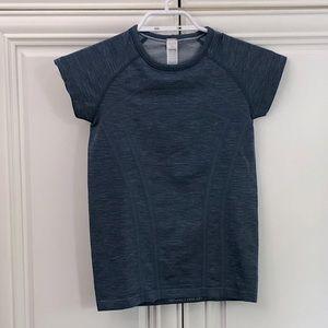 Ivivva by Lululemon girl's t-shirt 🍋